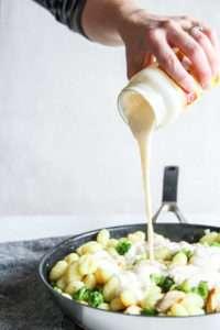 5 Ingredient chicken gnocchi pesto freezer meal -4
