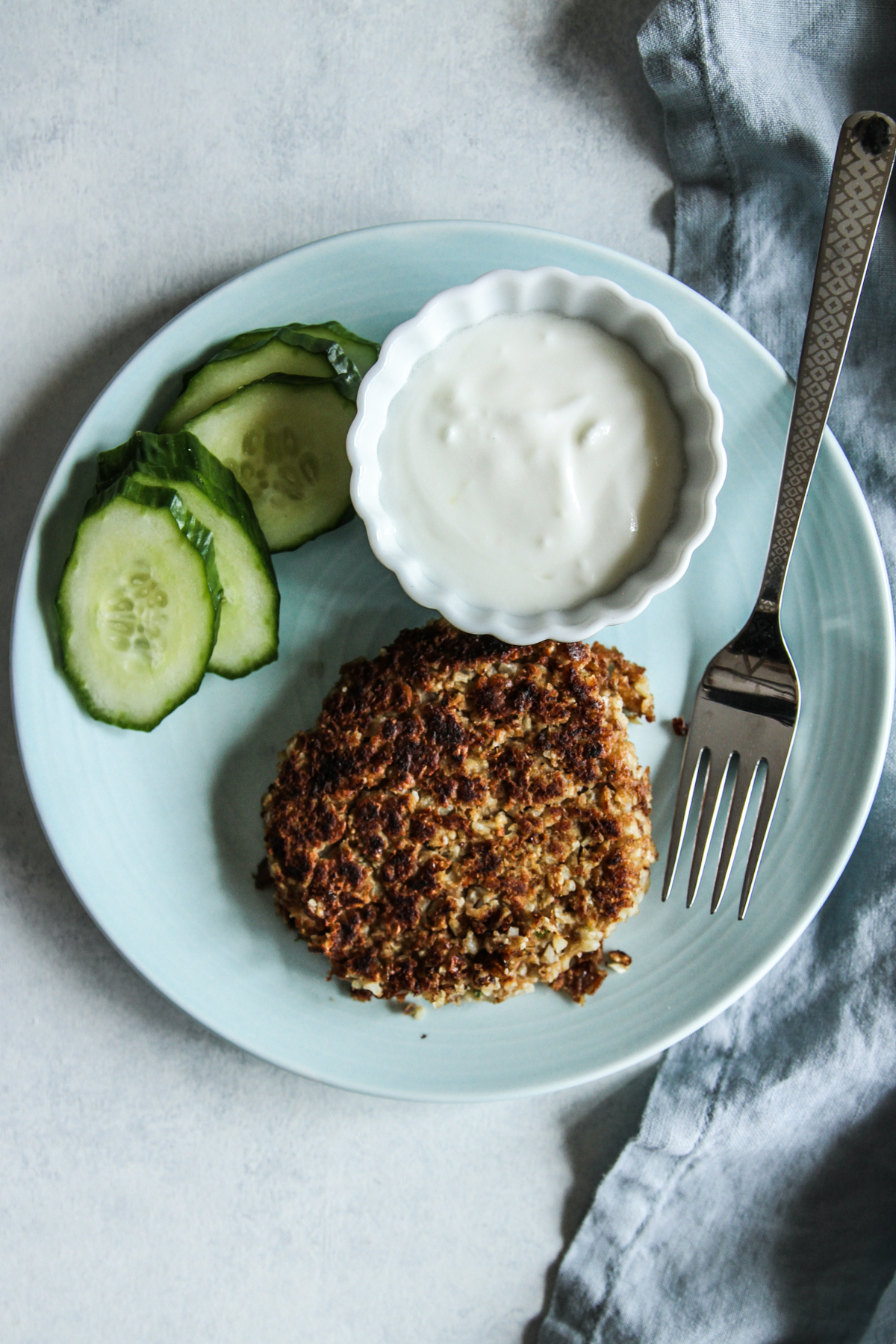 Lentil cauliflower burgers with lentil sauce