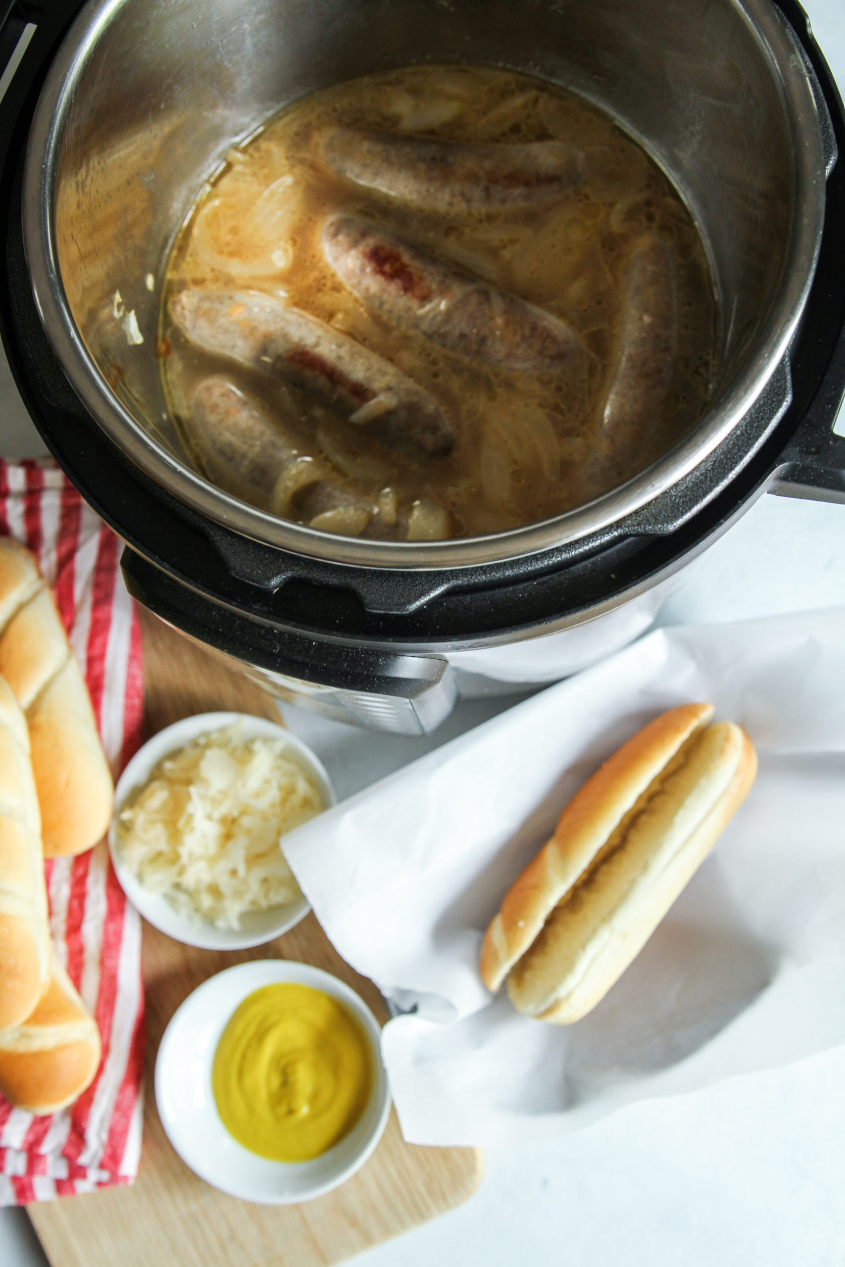 The most delicious instant pot beer brats