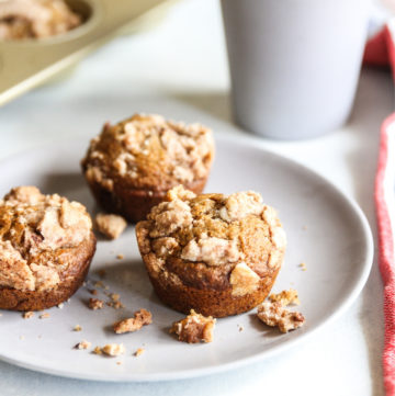 Eggless applesauce muffins with streusel topping
