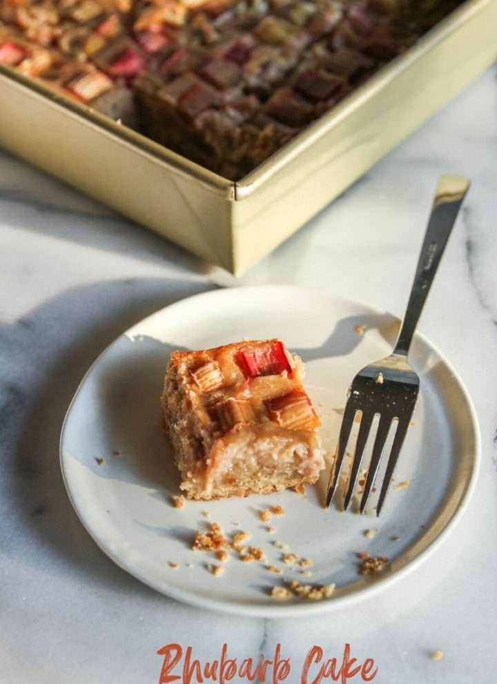 Rhubarb cake recipe with cheesecake layer