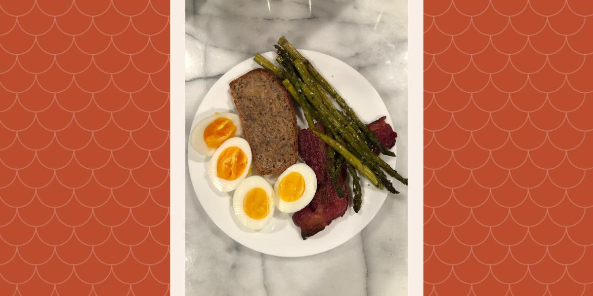 Asparagus, bacon, eggs and bread